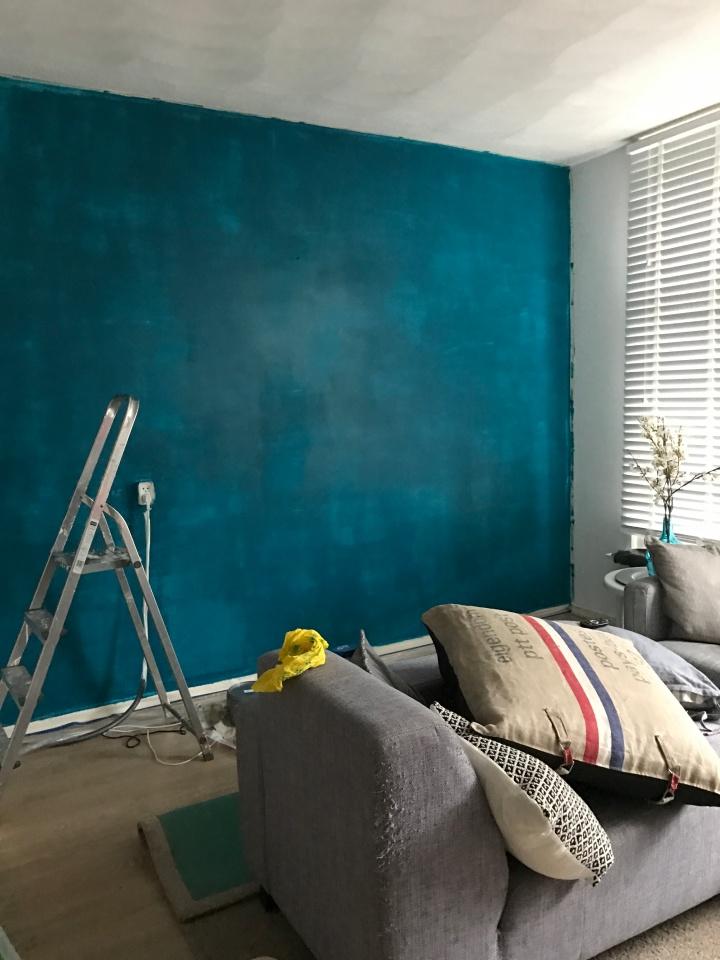 Dutch Gigil muur blauw eerste laag verf