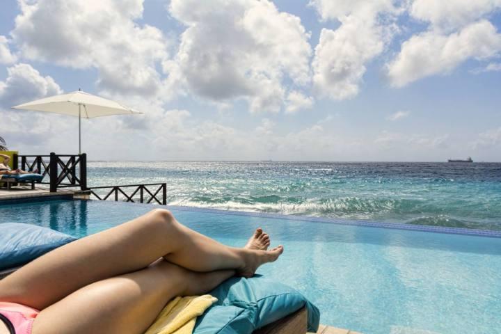 Curacao Part 3 verblijfplaatsen Scuba Lodge Willemstad zwembad