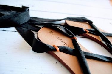 Raramuri sandalen black ribbon 2