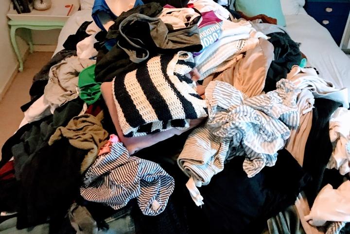 Mijn kledingkast opruimen met behulp van MarieKondo